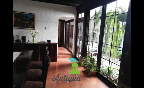 HOUSE FOR SALE in Antigua Guatemala