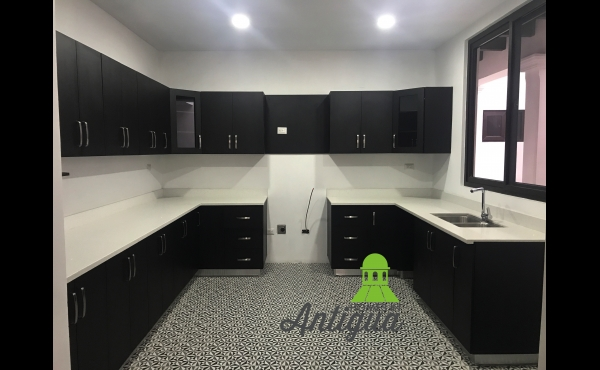 NEW 4 BEDROOM HOUSE FOR RENT