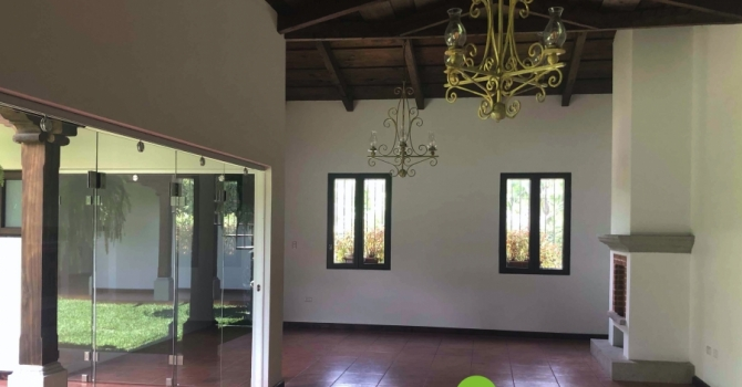 Big house for sale in Antigua Guatemala
