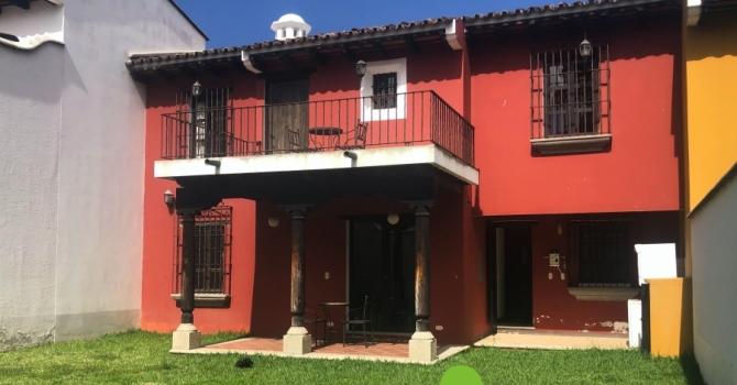 Preciosa casa en residencial en venta